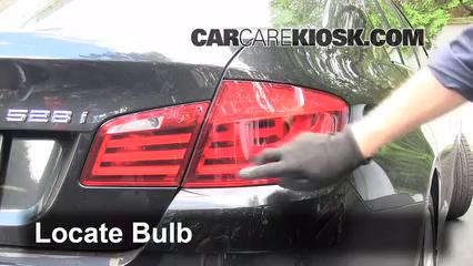 2012 BMW 528i xDrive 2.0L 4 Cyl. Turbo Éclairage