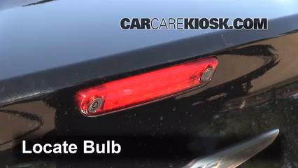 2012 Chrysler 300 Limited 3.6L V6 Éclairage Feu de freinage central (remplacer l'ampoule)