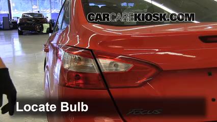 2012 Ford Focus SE 2.0L 4 Cyl. Sedan Lights