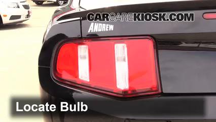 2012 Ford Mustang GT 5.0L V8 Coupe Luces Luz de reversa (reemplazar foco)