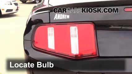 2012 Ford Mustang GT 5.0L V8 Coupe Luces Luz de giro trasera (reemplazar foco)
