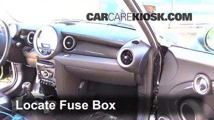2012 Mini Cooper S 1.6L 4 Cyl. Turbo Hatchback Fusible (interior)