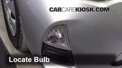 2012 Toyota Prius C 1.5L 4 Cyl. Luces Luz de giro delantera (reemplazar foco)