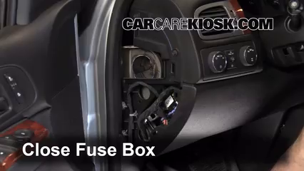 2013 Chevrolet Tahoe LT 5.3L V8 FlexFuel%2FFuse Interior Part 2 interior fuse box location 2007 2013 chevrolet tahoe 2009 2008 chevy tahoe fuse box diagram at edmiracle.co