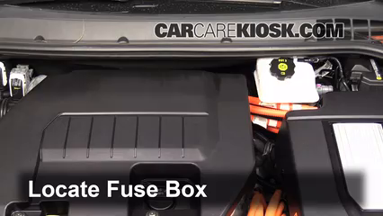 chevy volt fuse box replace a fuse 2011 2015 chevrolet volt 2013 chevrolet volt 1 4  chevrolet volt