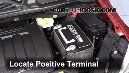 2010 chrysler town and country battery terminals