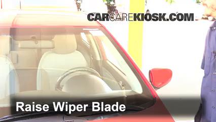 2014 hyundai accent hatchback wiper blade size