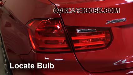 2013 BMW 335i xDrive 3.0L 6 Cyl. Turbo Sedan Lights