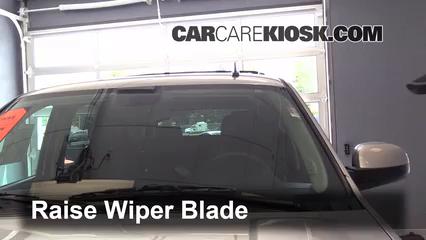 2013 Chevrolet Tahoe LT 5.3L V8 FlexFuel Windshield Wiper Blade (Front)