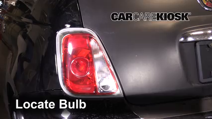 2013 Fiat 500 Abarth 1.4L 4 Cyl. Turbo Éclairage