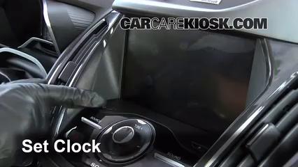 2013 Ford C-Max Hybrid SEL 2.0L 4 Cyl. Horloge