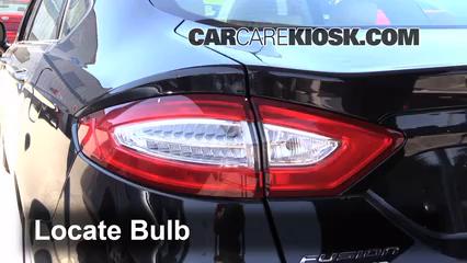 2013 Ford Fusion SE 2.0L 4 Cyl. Turbo Éclairage