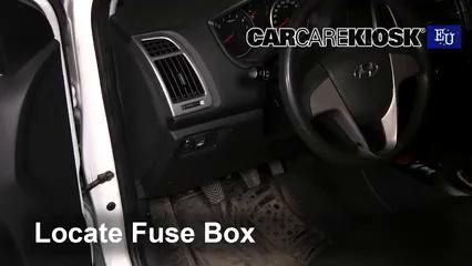 2013 Hyundai i20 Classic 1.2L 4 Cyl. Fusible (intérieur)