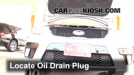 2013 Kia Forte Koup SX 2.4L 4 Cyl. Aceite Cambiar aceite y filtro de aceite