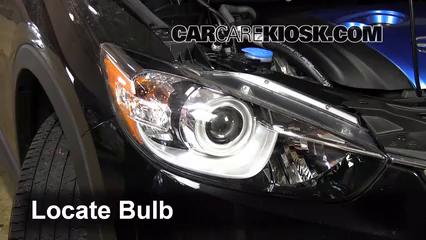 2013 Mazda CX-5 Sport 2.0L 4 Cyl. Luces Faro delantero (reemplazar foco)