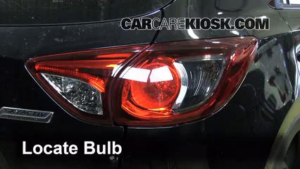 2013 Mazda CX-5 Sport 2.0L 4 Cyl. Luces Luz de reversa (reemplazar foco)