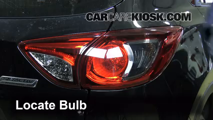 2013 Mazda CX-5 Sport 2.0L 4 Cyl. Luces Luz de giro trasera (reemplazar foco)