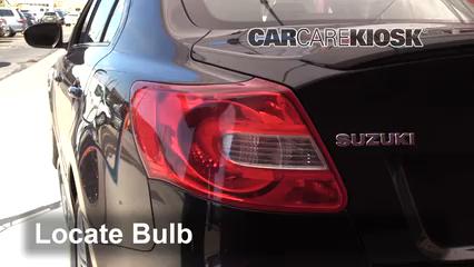 2013 Suzuki Kizashi GTS 2.4L 4 Cyl. Luces