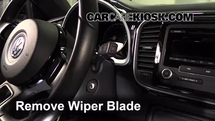 2013 Volkswagen Beetle 2.5L 5 Cyl. Convertible (2 Door) Escobillas de limpiaparabrisas delantero Cambiar escobillas de limpiaparabrisas