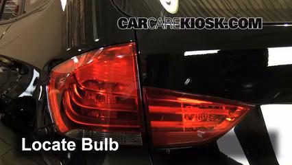 2014 BMW X1 xDrive28i 2.0L 4 Cyl. Turbo Éclairage