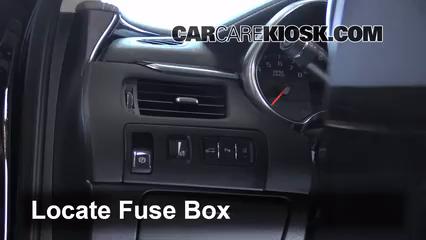 2014 Chevrolet Impala LT 3.6L V6 FlexFuel Fusible (intérieur)