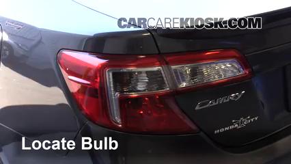 2014 Toyota Camry SE 3.5L V6 Lights