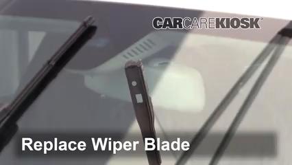 Front Wiper Blade Change Mercedes-Benz C300 (2015-2019) - 2015