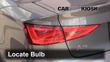 2015 Audi A3 Quattro Premium 2.0L 4 Cyl. Turbo Convertible Luces Luz de reversa (reemplazar foco)