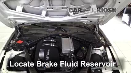 2015 BMW M4 3.0L 6 Cyl. Turbo Coupe Líquido de frenos