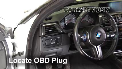2015 BMW M4 3.0L 6 Cyl. Turbo Coupe Lumière « Check engine » du moteur