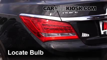 2015 Buick LaCrosse Leather 3.6L V6 FlexFuel Éclairage Feu clignotant arrière (remplacer l'ampoule)