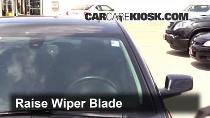 2015 Buick LaCrosse Leather 3.6L V6 FlexFuel Balais essuie-glace avant Changer les balais des essuie-glace