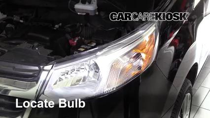 2015 Chevrolet City Express LS 2.0L 4 Cyl. Éclairage Feux de croisement (remplacer l'ampoule)