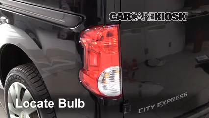 2015 Chevrolet City Express LS 2.0L 4 Cyl. Éclairage Feu clignotant arrière (remplacer l'ampoule)