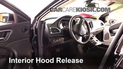 2015 Chrysler 200 Limited 2.4L 4 Cyl. Sedan (4 Door) Capot