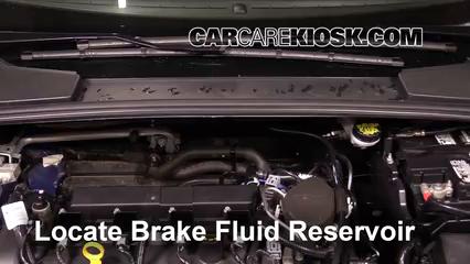 2015 Ford Focus Titanium 2.0L 4 Cyl. FlexFuel Sedan Liquide de frein