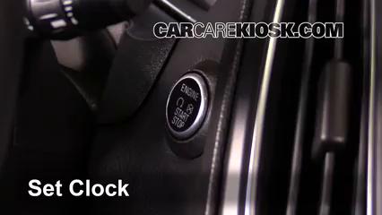 2015 Ford Focus Titanium 2.0L 4 Cyl. FlexFuel Sedan Horloge