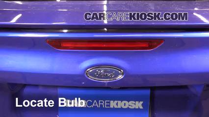 2015 Ford Focus Titanium 2.0L 4 Cyl. FlexFuel Sedan Luces Luz de freno central (reemplazar foco)