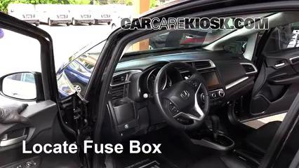 2015 Honda Fit EX 1.5L 4 Cyl. Fusible (interior) Cambio