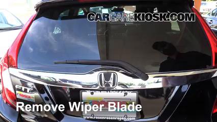 2015 Honda Fit EX 1.5L 4 Cyl. Escobillas de limpiaparabrisas trasero Cambiar escobillas de limpiaparabrisas