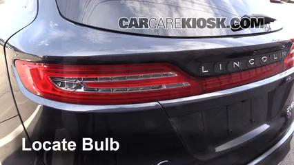 2015 Lincoln MKC 2.0L 4 Cyl. Turbo Lights