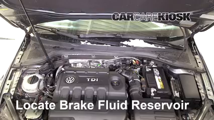 2015 Volkswagen Golf SportWagen TDI S 2.0L 4 Cyl. Turbo Diesel Líquido de frenos