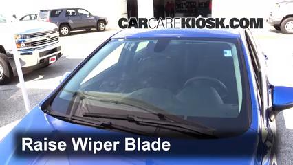 Front Wiper Blade Change Chevrolet Cruze 2016 2019 2016 Chevrolet Cruze Lt 1 4l 4 Cyl Turbo
