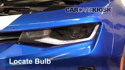 2016 Chevrolet Camaro LT 3.6L V6 Luces Luz de carretera (reemplazar foco)