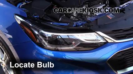 2016 Chevrolet Cruze LT 1.4L 4 Cyl. Turbo Luces Faro delantero (reemplazar foco)
