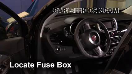 2016 Fiat 500X Easy 2.4L 4 Cyl. Fusible (intérieur)