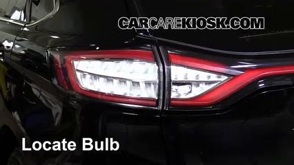 2016 Ford Edge Titanium 2.0L 4 Cyl. Turbo Luces Luz trasera (reemplazar foco)
