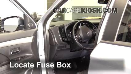 2016 Mitsubishi Outlander SE 2.4L 4 Cyl. Fuse (Interior)
