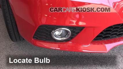 2016 Nissan Sentra FE+S 1.8L 4 Cyl. Lights Fog Light (replace bulb)