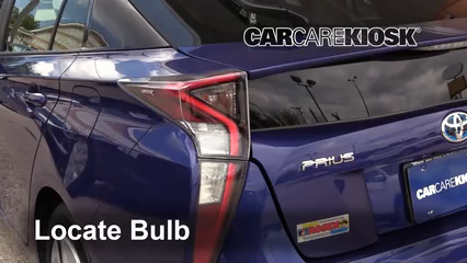 2017 Toyota Prius Four 1.8L 4 Cyl. Lights
